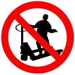 Pictogramme interdit de monter sur les transpalettes