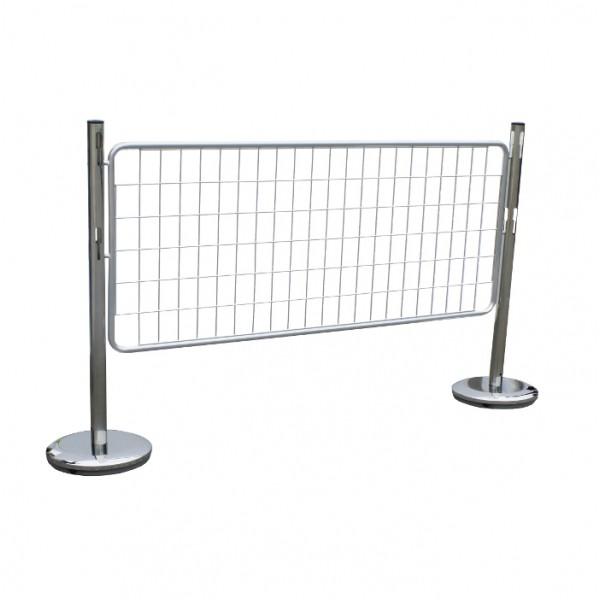 Poteau chromé et barrière grille