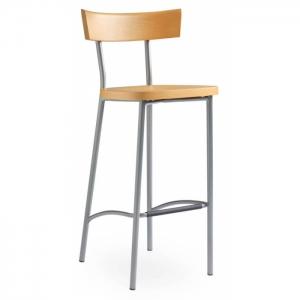 Chaise haute design en hêtre
